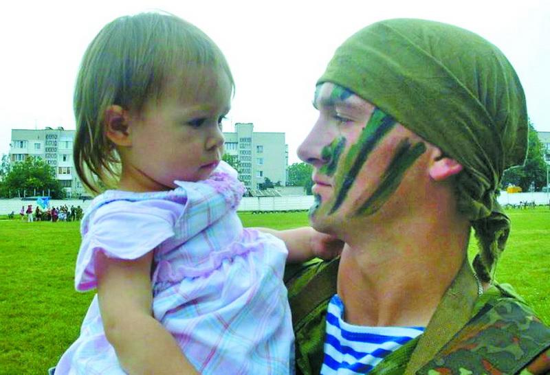 2010 рік. Олександр Петраківський зі своєю донечкою Настею.