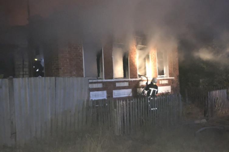 На Харківщині вогонь знищив житловий будинок