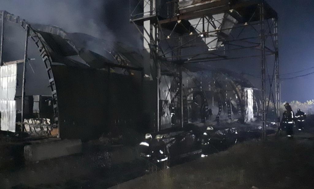 На території підприємства сталася масштабна пожежа