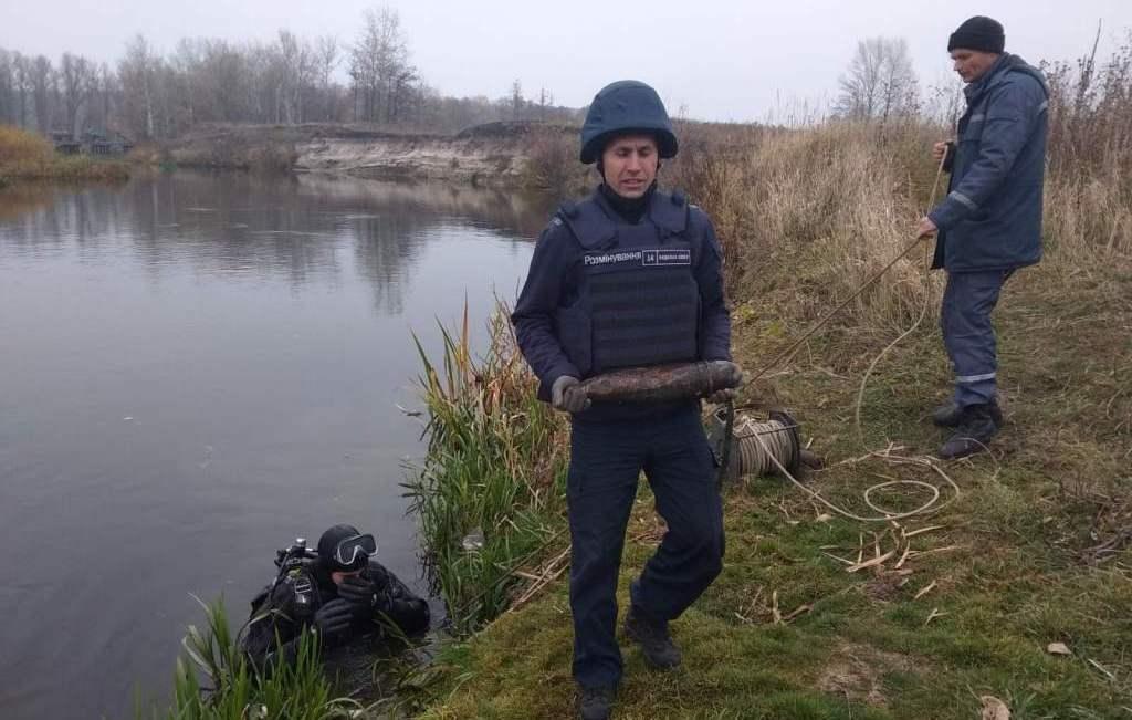 Піротехніки знешкодили на Харківщині сім боєприпасів часів війни