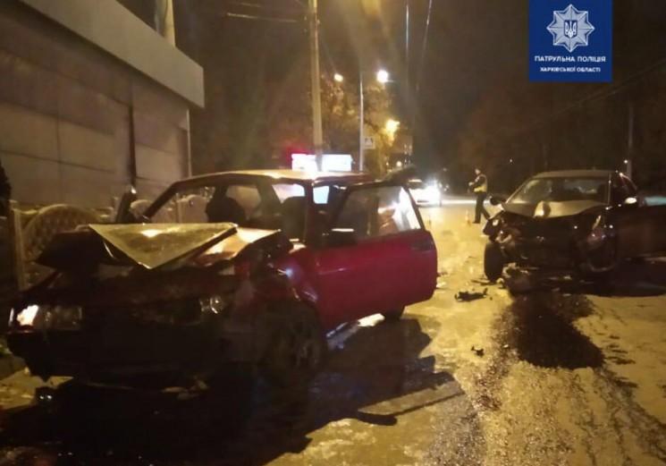 Внаслідок зіткнення двох автівок постраждали чотири людини