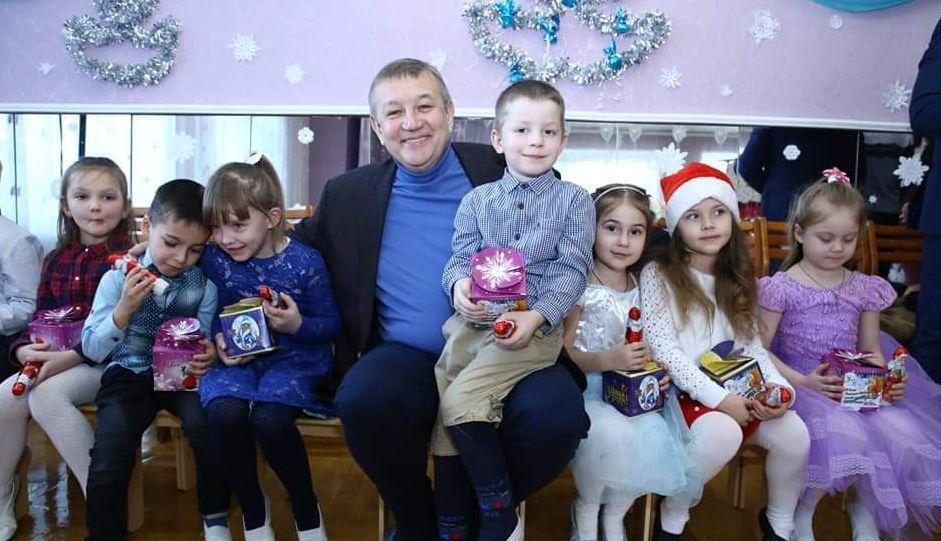 Сергій Чернов привітав дітей Красноградщини з Днем Святого Миколая