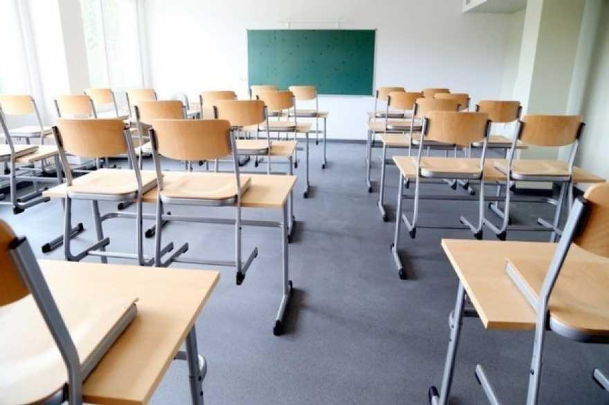 У Первомайському районі закривають школи на карантин
