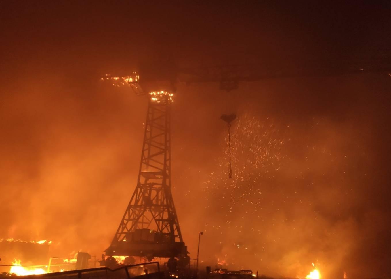 На Харківщині горять деревообробні підприємства
