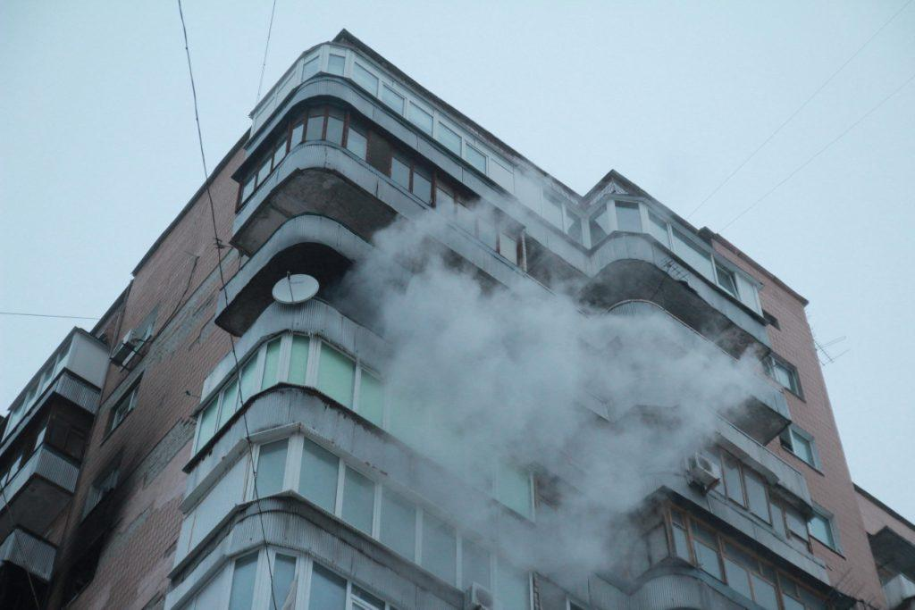 У Слобідському районі горіла квартира у багатоповерхівці
