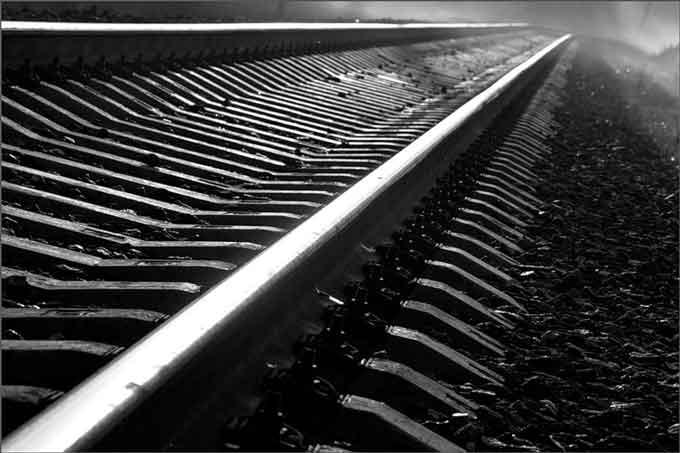 П'яний водій застряг на залізничних коліях