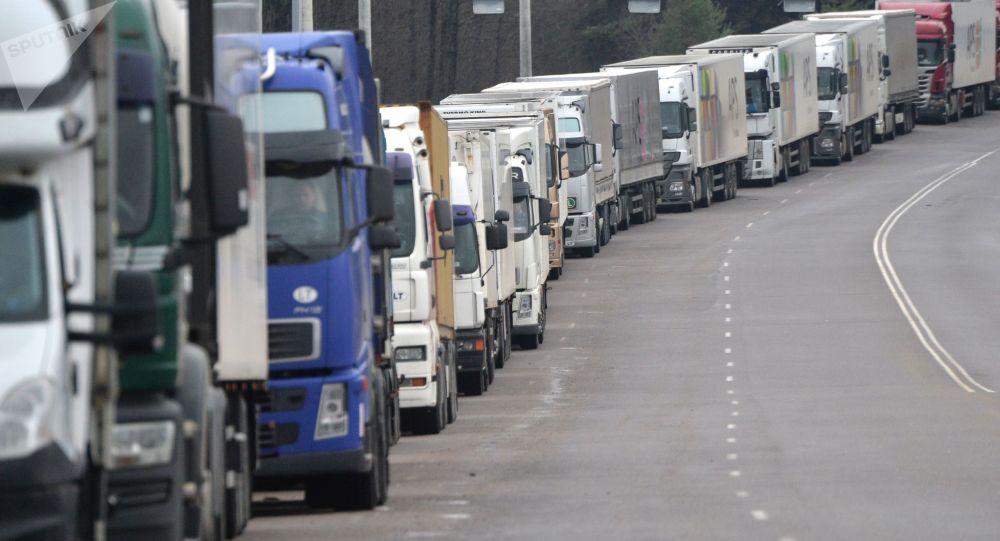 Знизились показники вантажних перевезень