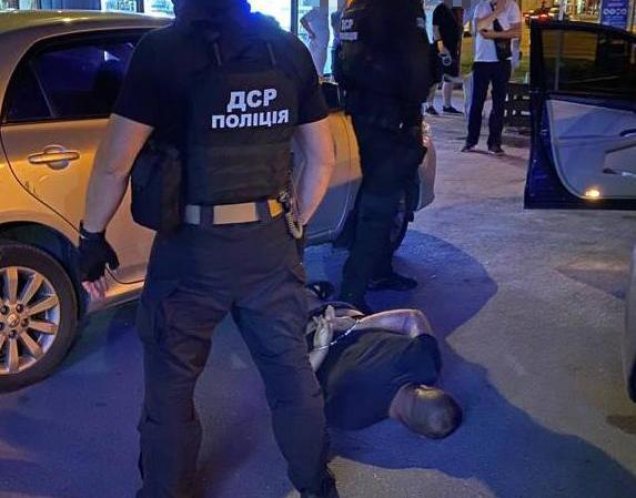 Вимагали кошти у студентів та іноземців – у Харкові затримали злочинне угруповання