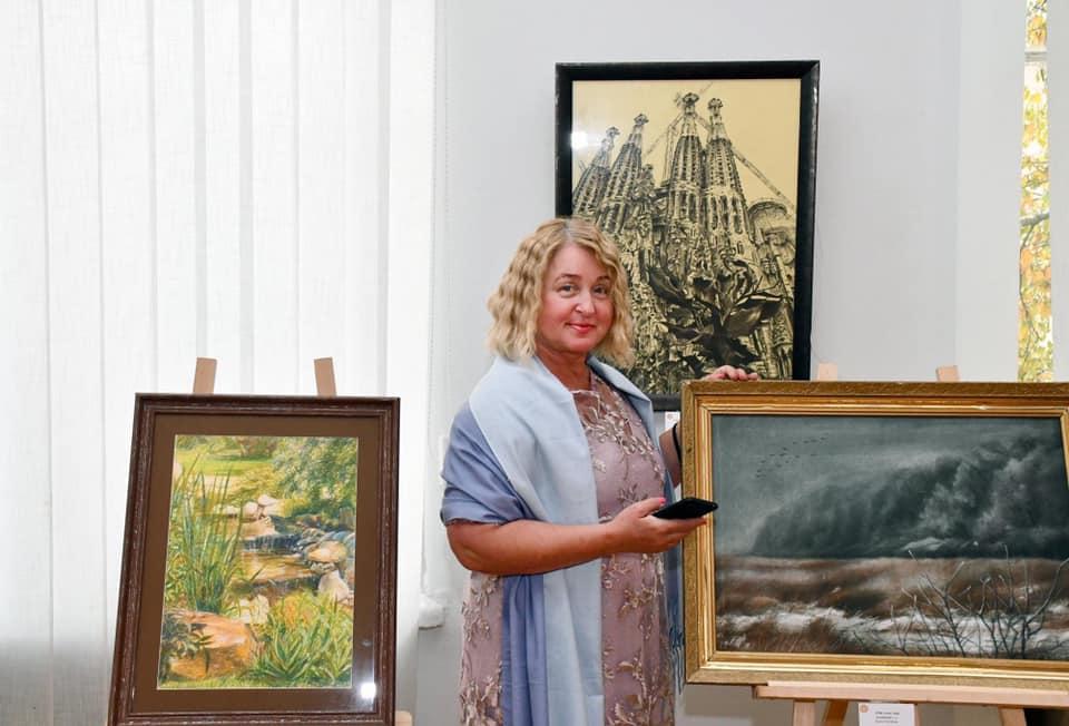 Харків'ян запрошують на творчу зустріч з художницею