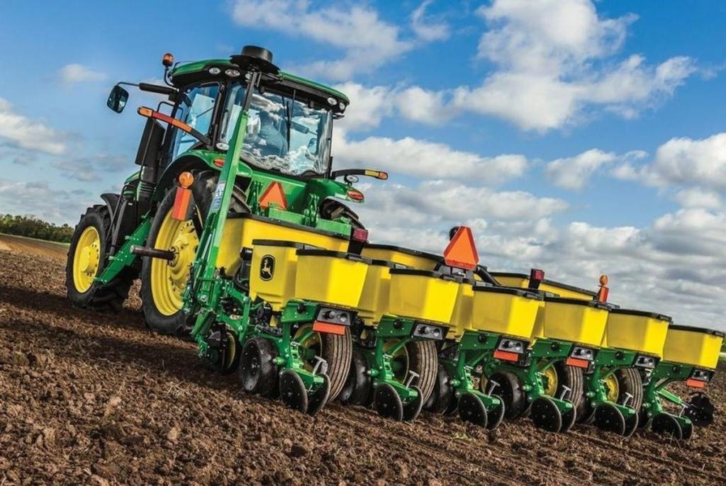 Аграрії двох районів лідирують за темпами сівби озимих зернових