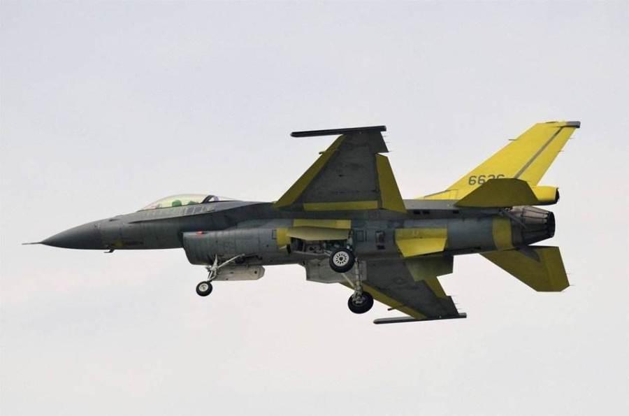 正在試飛的改進型F-16V戰機,不少部件進行了更換。