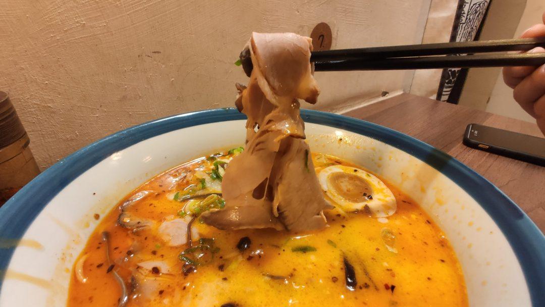 台中西區柳川美食 很純日式拉麵店 火曜二代目 好吃叉燒湯好喝
