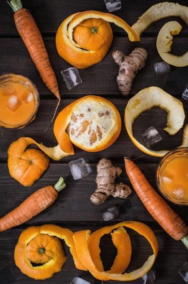 zumo de zanahoria naranja y cúrcuma