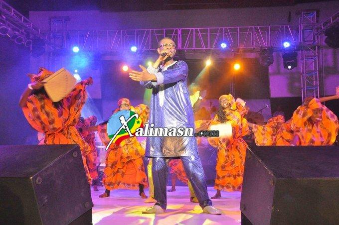 youssou chante au cices