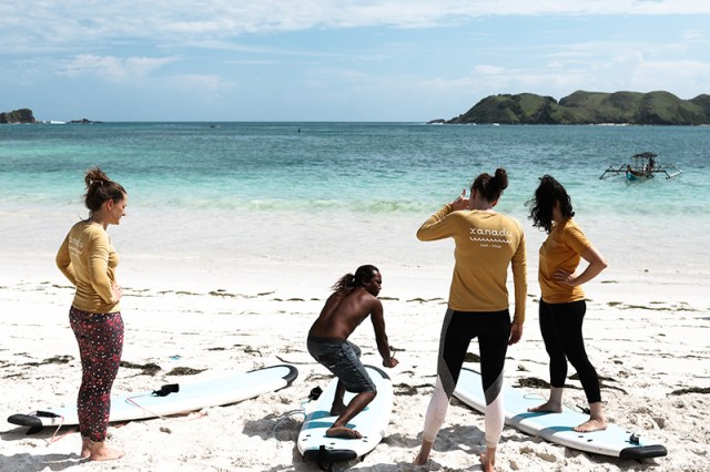Surf training at Tanjung Aan 2, a surfing paradise for beginners