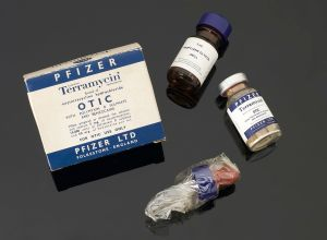 Bottle_of_Terramycin_with_original_contents_and_original_car_Wellcome_L0058544