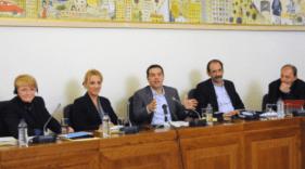 2013/11/27: Απο τη συνεντευξη Τυπου που παραχωρησε η προεδρος της ευρωομαδας της Αριστερας Gaby Zimmer (πρωτη απο αριστερα)