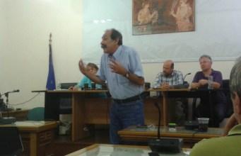 2014/09/25: Απο την εκδηλωση του ΣΥΡΙΖΑ Κ. Αχαγιας με θεμα τα αγροτικα και ομιλητες την Ε. Κατσινοπουλου και τον Φ. Κουρεμπε