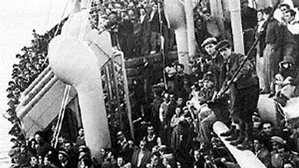 El hundimiento del 'Struma', un barco cargado con 800 refugiados judíos