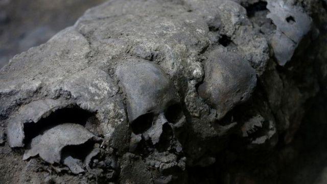 """México: Una torre de cráneos humanos expone algo que """"no está registrado"""" sobre el Imperio azteca"""