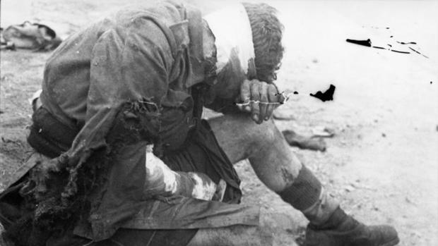 Uno de los comandos británicos capturados por los nazis tras el ataque contra el dique de Saint-Nazaire en la «Operación Chariot»