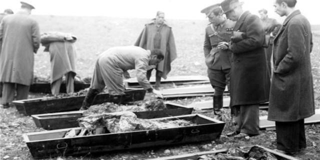 Identificación de cadáveres en 1939 en Torrejón de Ardoz - Vídeo: La matanza de Paracuellos, contada por un superviviente - ABC Multimedia