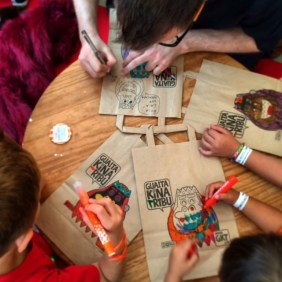Dibuixant amb la Tribu.
