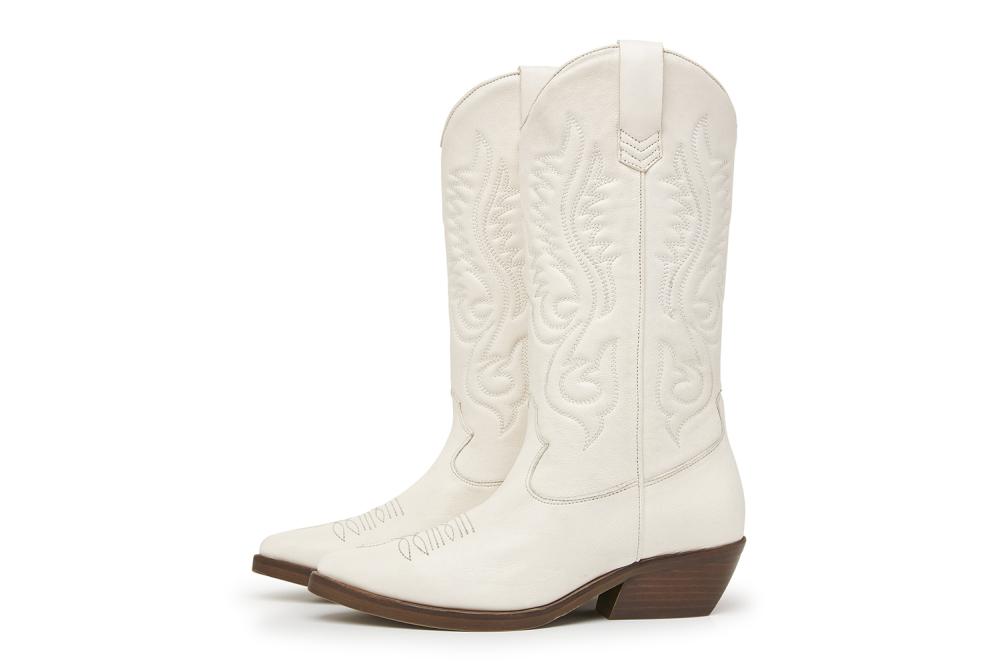 cowboy boots wit