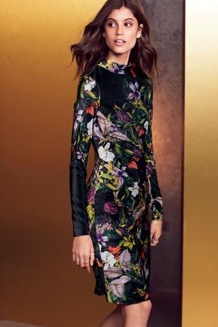 10 Velvet Dress Looks You Can Recreate This Winter