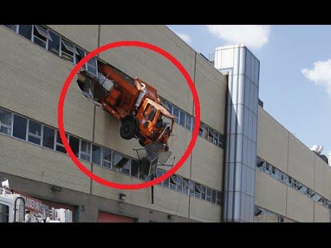 30 craziest car and truck accide