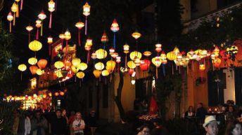 Lễ hội đèn lồng, hoa đăng tết Nguyên tiêu Rằm tháng giêng – Xem ngày tốt