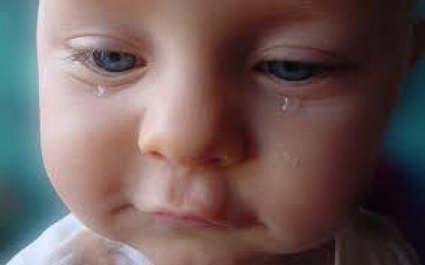 mơ thấy trẻ em khóc