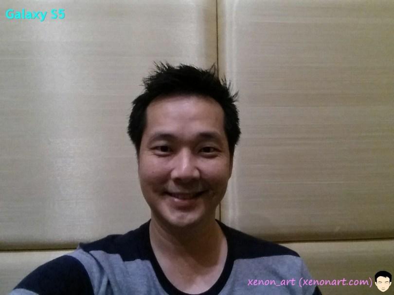 Galaxy_S5_selfie