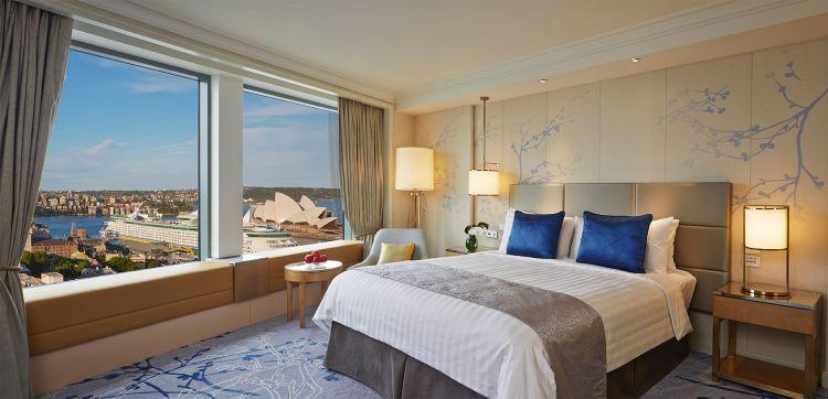 Horizon Club Grand Harbour room at Shangri-La Hotel, Sydney (3).jpg