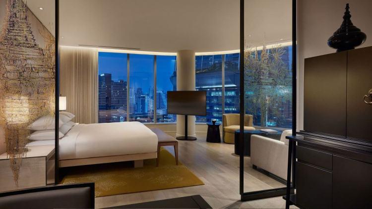 Park-Hyatt-Bangkok-P042-Park-Deluxe-Corner-Room.adapt.16x9.1280.720.jpg