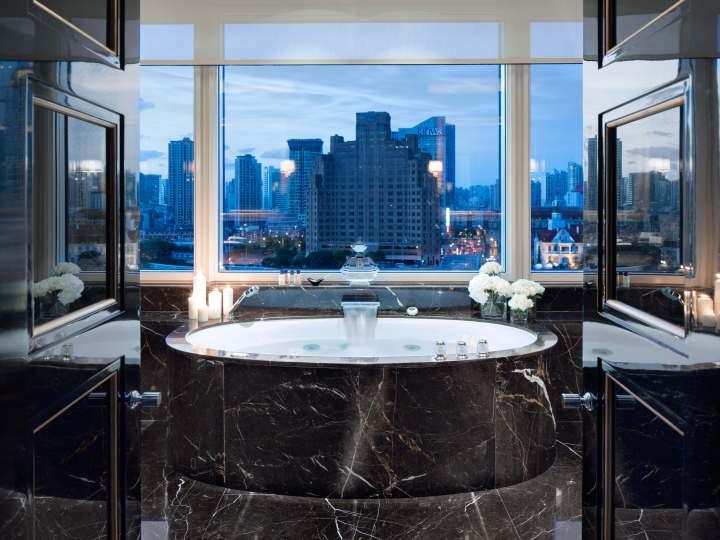 Peninsula Shanghai - Majestic Suite Bathroom
