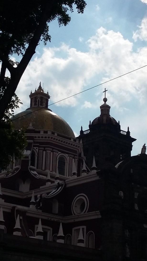Catedral de Puebla, decorada con un estilo renacentista en el exterior