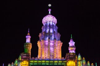 1280px-Tower_at_Harbin_Ice_and_Snow_Festival_2012