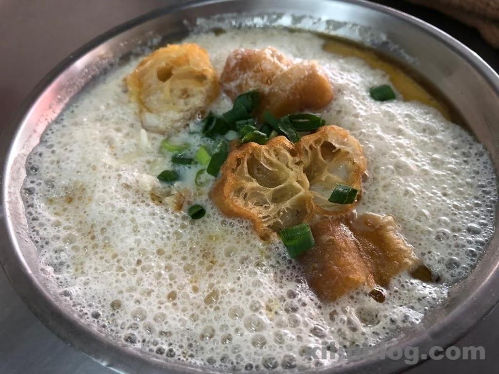永和豆漿の固まらない鹹豆漿(シェントウジャン)