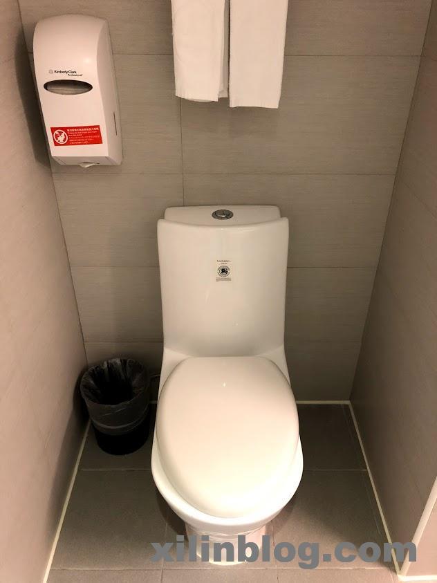 リバーサイドホテルのバスルーム02