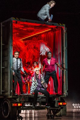 Rise and Fall of the City of Mahagonny, producció de Foto © ROH.Clive Barda