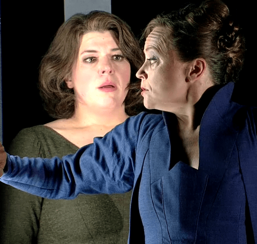 Christa Mayer (Brangäne) i Evelyn Herlitzius, (Isolde)