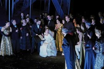 Lucia di Lammermoor acte 2, Gran Teatre del Liceu desembre 2015. Moreno, Jordi, Mimika, Caoduro. Producció Damiano Michieletto, Fotografia Premsa Liceu© A Bofill