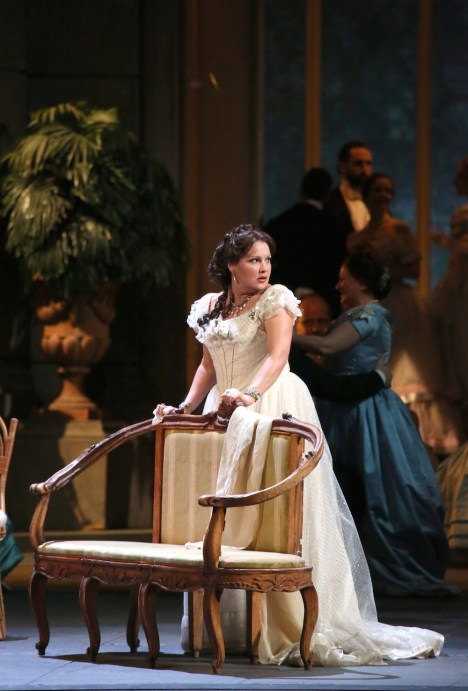 Anna Netrebko (Violeta Valery) Teatro alla Scala, Acte 1er producció de Liliana Cavani 2017. Fotografia Brescia/Amisano