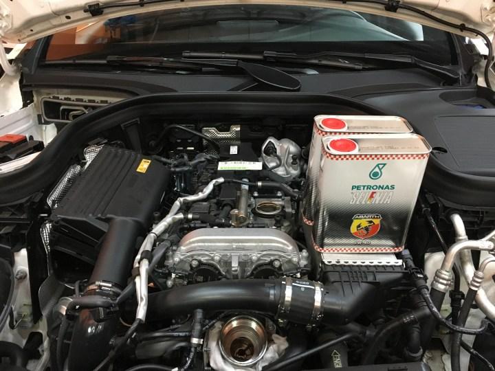Benz GLC300 W253 25000公里保養 – 欣承汽車保養所