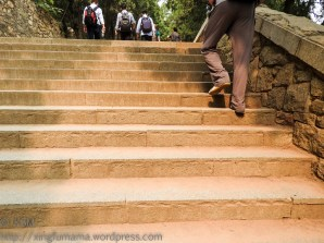 KSM20151017-Sleeping_Dragon-Stairs-01-720px