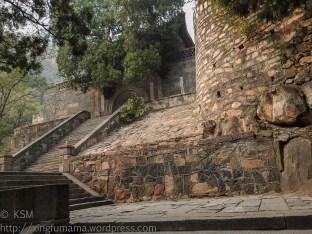 KSM20151017-Sleeping_Dragon-Stairs-06-720px