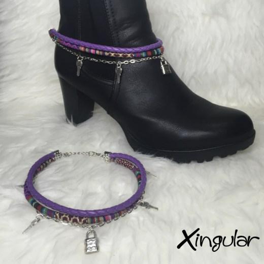 pulsera botas con candado violeta y etnico violeta muestra