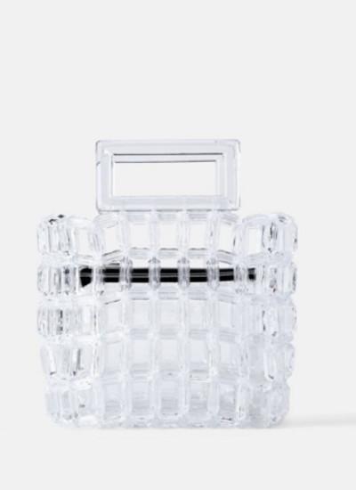 La-fiebre-por-las-prendas-y-complementos-transparentes-5.