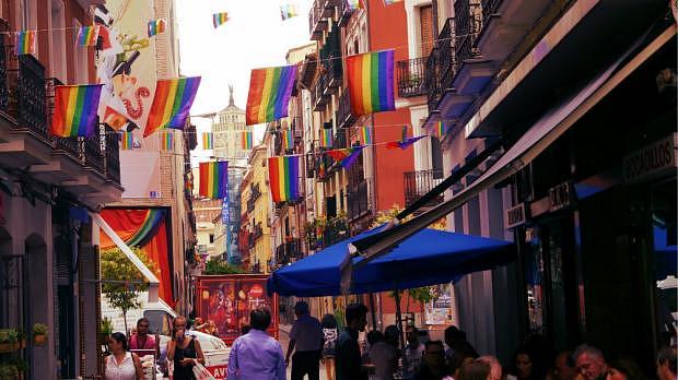 Chueca durante el Orgullo Gay de Madrid - Mejor zona para vida nocturna LGBT en Madrid